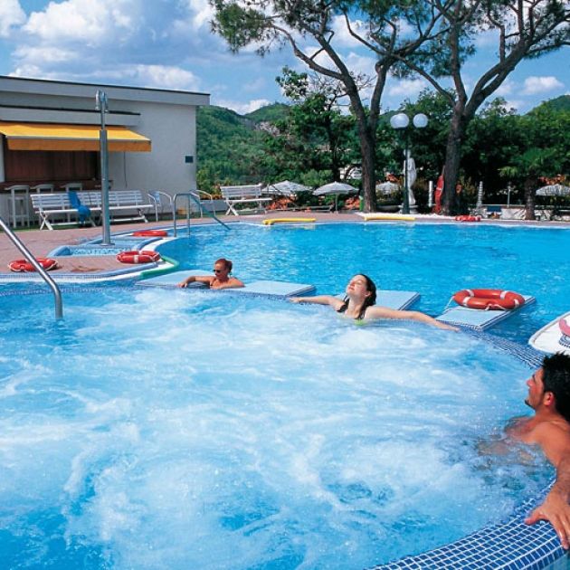 Hotel augustus terme a montegrotto terme portale terme - Montegrotto terme piscina ...