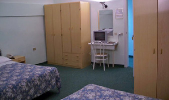 https://www.portaleterme.com/thumb/photomosaic-big/storage/c1/707/3/7913_original_grand-hotel-terme-roseo-camere-emilia-romagna-forli-cesena-bagno-di-romagna-cam-303-3.jpg