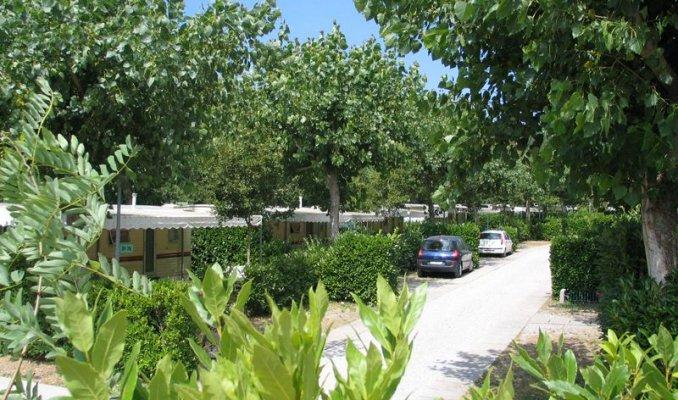 Bagno santo parco delle piscine a sarteano portale terme for Camping delle piscine sarteano siena