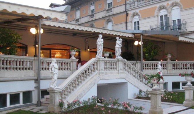 Grand hotel liberty beauty and wellness spa a riva del - Hotel con piscina coperta riva del garda ...