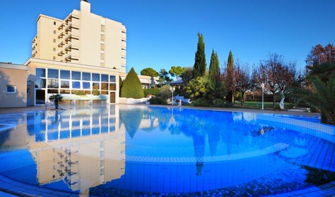 Hotel des bains terme a montegrotto terme portale terme - Montegrotto terme piscina ...