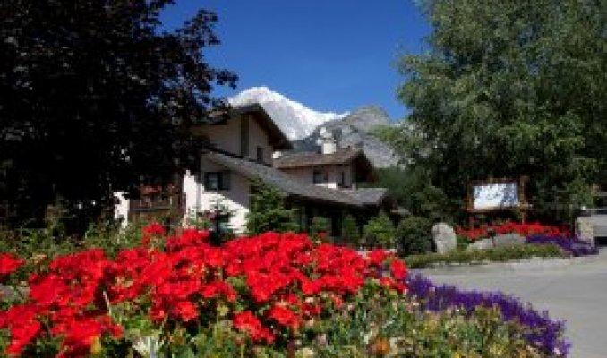 Le grand hotel courmaison a pr saint didier portale terme for Design hotel valle d aosta